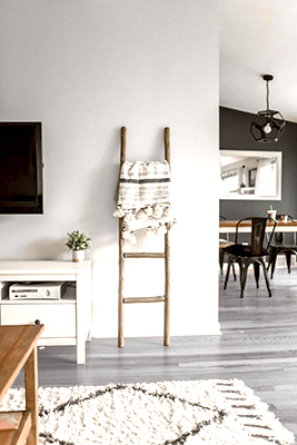 pintura blanca para paredes con suelos grises