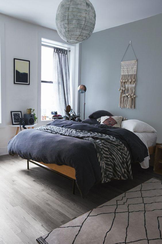 suelos grises y paredes grises en habitación